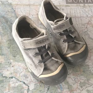 Keen, Gray, Kids Size 13 Shoes